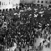 Portale Resistenzamappe.it- manifestazione in piazza del Popolo per la difesa dell'occupazione all'Arrigoni, anni '40
