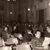 Portale 68viaEmilia.it- Manifestazione del PCI nel salone comunale, anni '70