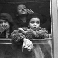 I volti della felicità, 1947