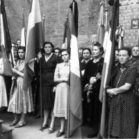 Archivio fotografico UDI Bologna. Commemorazione dei caduti, anni Quaranta