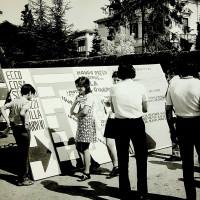 Manifestazione di protesta, per una nuova gestione degli istituti di Villa Giardini, 1969-1970  [ISMO, APCMO]
