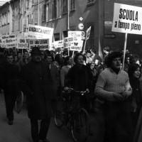 Manifestazione Ravenna, 24 aprile 1970, per scuole materne e asili nido