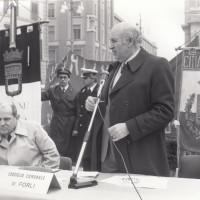 Fondo Fotografico Michele Minisci- Consigli comunale e provinciale congiunti sul tema della crisi industriale della ditta Maraldi, intervento del Sindaco di Forlì Giorgio Zanniboni, 13 gennaio 1984