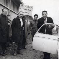 Lotte agrarie anni Sessanta, Ernesto Cattani  è il secondo da sinistra [ISMO, Fondo CGIL]