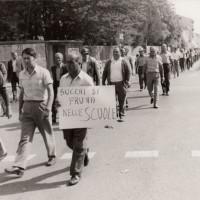 Fondo Fotografico Michele Minisci-manifestazione per l'Arrigoni, anni '70