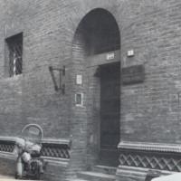 L'ingresso dell'ex carcere di San Tommaso in via delle Carceri. Dietro le sue mura vennero imprigionati antifascisti, partigiani ed ebrei destinati alla deportazione e alla morte