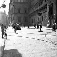 Veduta di Piazza Nettuno durante il fascismo