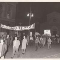 Fondo Fotografico Michele Minisci- manifestazione del PCI in solidarietà con i lavoratori della Mangelli e della ditta FAMOS, autunno 1972