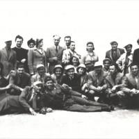 Napoli, 1947. Il sindaco Alfeo e altri compagni hanno riaccompagnato a Napoli alcuni bambini [ISMO, AFPCMO]