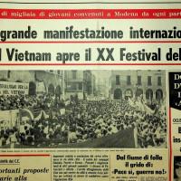 Nel 1966 la festa nazionale venne aperta da una manifestazione contro la guerra del Vietnam: il corteo partì dalla stazione per arrivare in Piazza Grande [ISMO, AFPCMO]