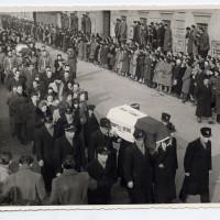 I funerali delle vittime del 9 gennaio 1950 [ISMO, AFPCMO]