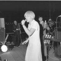 1966, Caterina Caselli canta per la serata yé-yé [ISMO, AFPCMO]