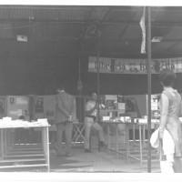 Lo stand della Libreria Rinascita alla festa dell'Unità provinciale, anni '70 [ISMO, APCMO]
