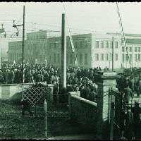 9 gennaio 1950, i cancelli delle fonderie [ISMO, AFPCMO]