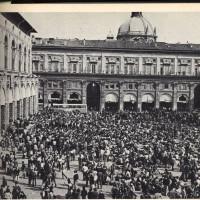 Piazza Maggiore durante il Convegno del movimento studentesco nel settembre 77, La Lotta n.5 ottobre 77