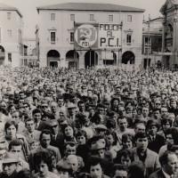 Fondo Fotografico Michele Minisci- manifestazione elettorale del PCI, s.d. (anni '70?)