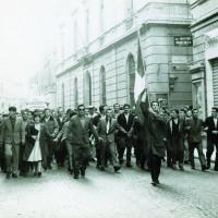 Manifestazione antifascista in opposizione al tentativo di organizzare un raduno dell'Msi a Modena, maggio 1961 [ISMO, AFPCMO]
