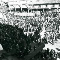 Manifestazione sindacale in piazza Trento e Trieste e in corso Martiri della libertà, anni settanta